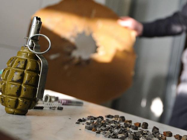 Узнали по наводке: в киевской подземке задержали мужчину с гранатами
