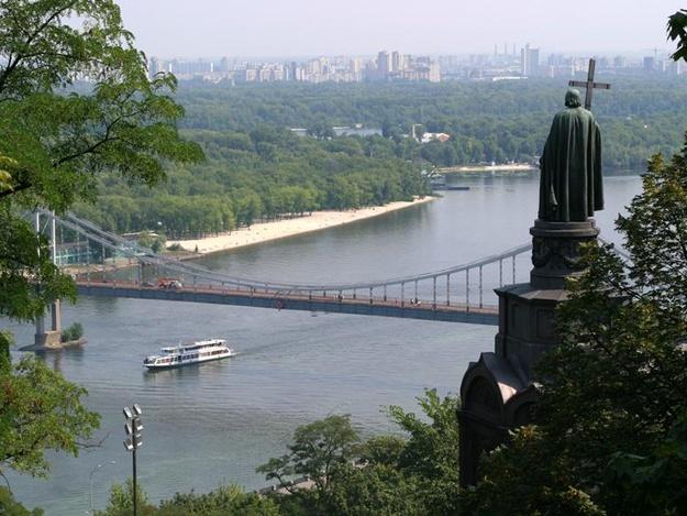 В Киеве объявили тендер на строительство моста между Владимирской горкой и парком «Хрещатый»