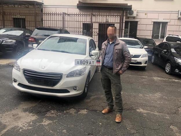 СБУ задержала мужчину, который катался по Киеву на авто с номерами «ДНР»