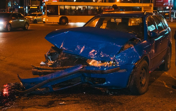 В Киеве на проспекте Бандеры за час разбились четыре авто