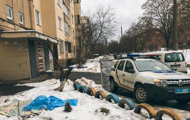 В Киеве пенсионер погиб, выбросившись из окна