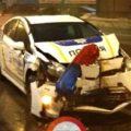 В Киеве патрульное авто столкнулось с троллейбусом