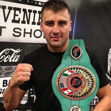 Украинец Гвоздик нокаутировал чемпиона мира по боксу
