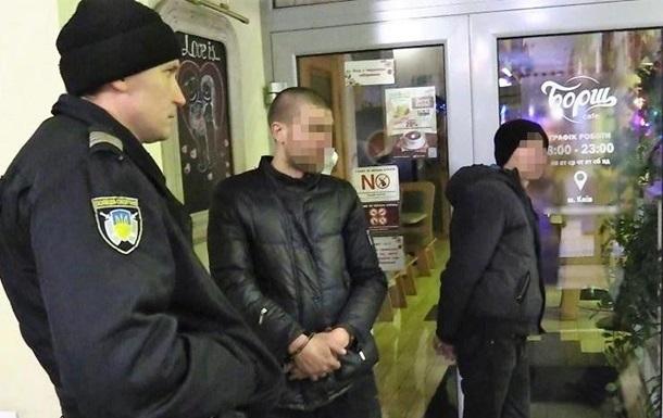 Появилось видео ограбления АЗС в Киеве