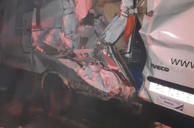 В Херсонской области из-за ДТП водитель погиб во время ремонта своего авто