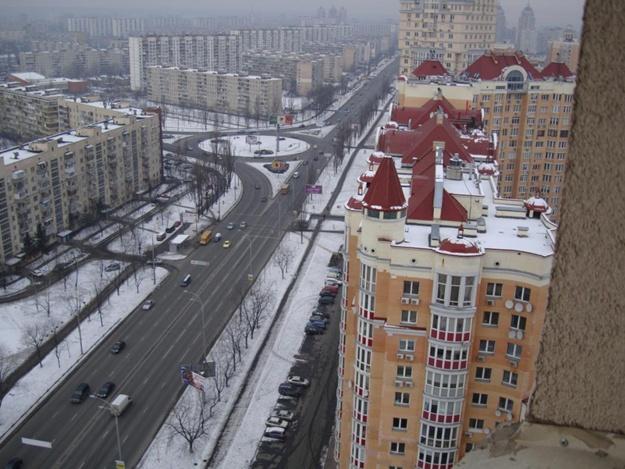 Суд отменил повышение цен за придомовую территорию в Киеве