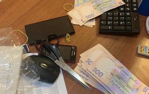 В Киеве на взятке в 190 тысяч грн задержали замглавы госпредприятия