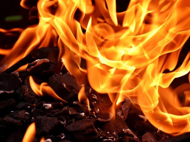 Ночью в Голосеевском районе горело офисное здание