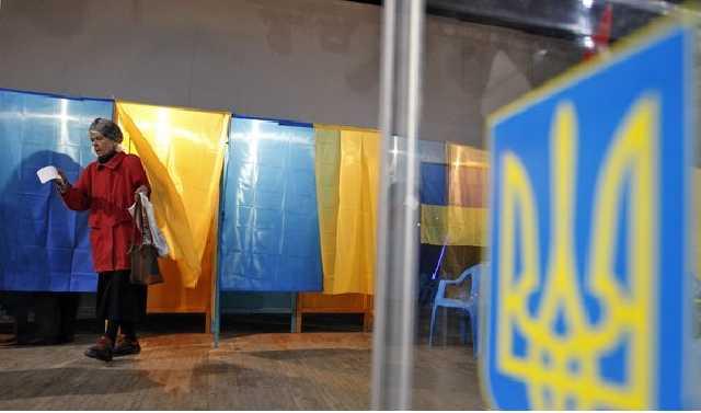 Претенденты, «техники» и пиарщики: кто и зачем идет в президенты Украины