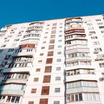 В Киеве мужчина повесился в подъезде многоэтажки