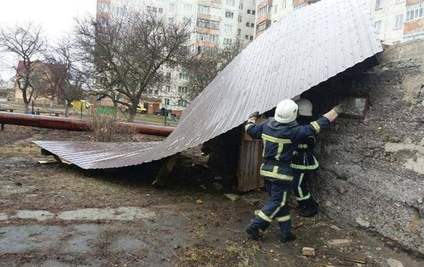 Непогода в Киеве: пострадали четыре человека
