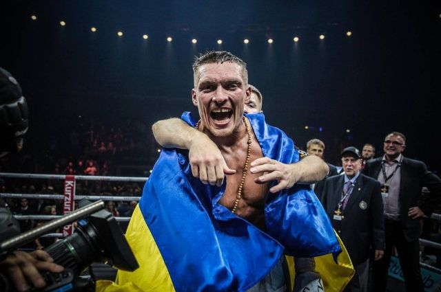 WBC решил не отбирать пояс чемпиона у Александра Усика
