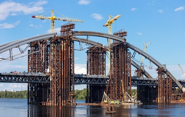 Киеву дают 400 миллионов из госбюджета на метро и мост