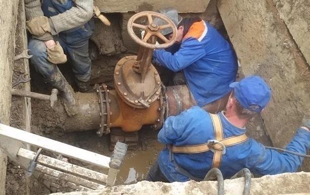 В семи районах Киева отключают горячую воду: адреса