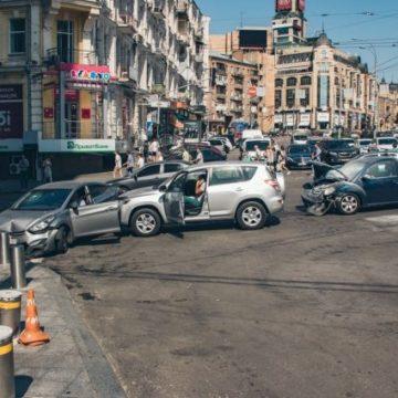 Полиция Киева рассказала, на каких улицах столицы чаще происходят ДТП