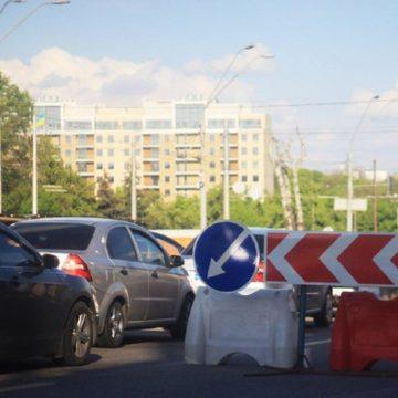 Не стой в пробке: на Одесской площади на три дня частично ограничат движение